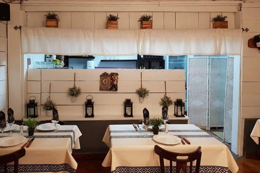Interior del restaurante Asador Rocamar, Islares, Castro Urdiales